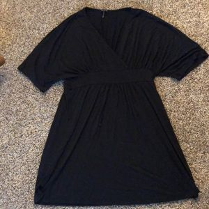 Daisy Fuentes med short black dress - FITS LIKE LG